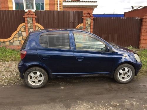 Продам Toyota Vitz в Томске